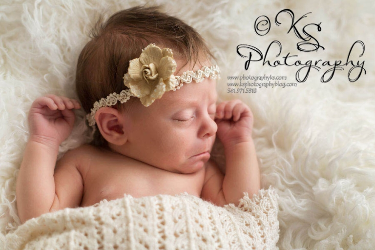 Newborn-Photographer-Salem-Oregon