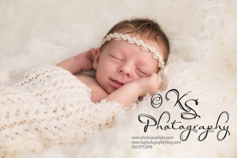 Western-Oregon-Newborn-Photographer